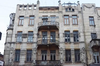 Вул. Дорошенка, 15. Північний фасад (фрагмент)