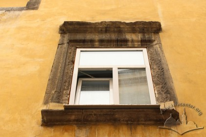Vul. Virmenska, 35. A window on the 2nd floor with Renaissance-style stone trimming