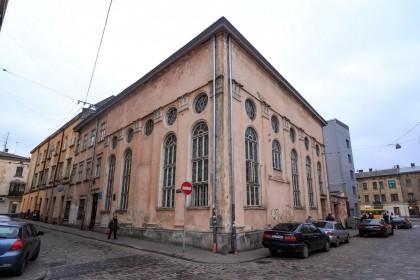 Vul. Vuhilna, 1-3. Former Jakub Glanzer's synagogue. General view from pl. Sv. Teodora