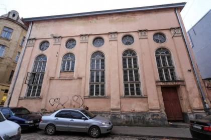 Vul. Vuhilna, 1-3. Former Jakub Glanzer's synagogue. Northern facade