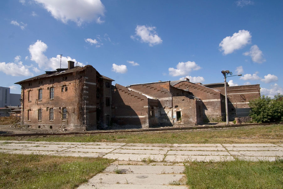Vul. Promyslova, 52. The latest location of the city slaughterhouse. Part of its buildings/Photo courtesy of Ihor Zhuk, 2013
