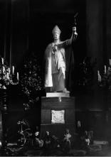 Пам'ятник архієпископа Юзефа Більчевського в каплиці Якуба Стрепи в Латинському кафедральному соборі